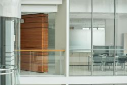 The new normal – glass products for the workplace in a post-pandemic world